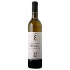 Вино Мускат белое полусладкое 0.7л