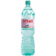 Вода минеральная Архыз негазированная 1.5л.